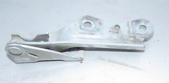 Петля капота правая Hyundai Elantra
