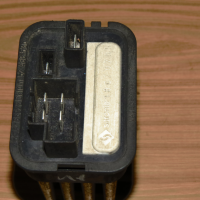 Резистор отопителя Opel Astra H / Family 2004-2015