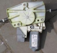 Стеклоподъемник электрический Peugeot 607