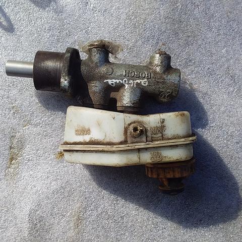 Цилиндр тормозной главный для Fiat Albea
