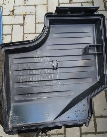 Крышка блока предохранителей Opel Corsa C 2000-2006