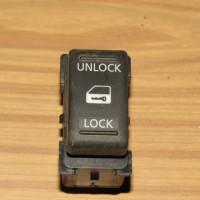Кнопка центрального замка Nissan Note (E11) 2006-2013