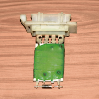 Резистор отопителя Opel Corsa C 2000-2006